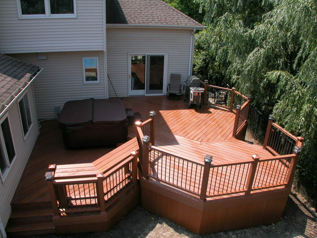 Quality Western NY deck builder